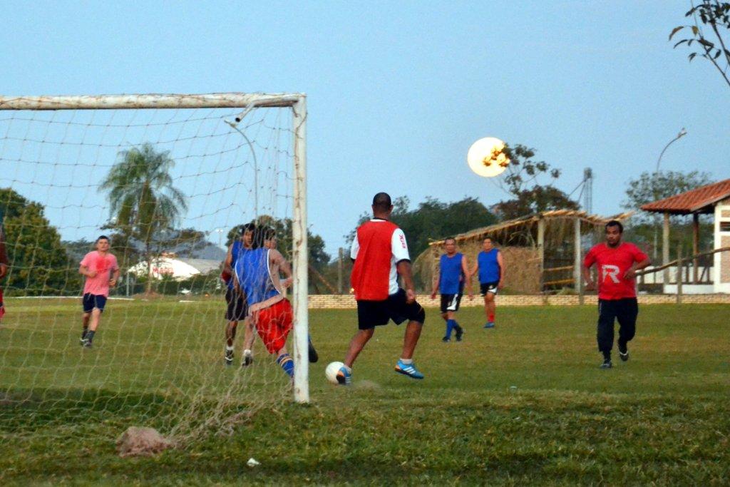 Fußball bei Vollmond in Miranda, Foto: Sylvia Montag